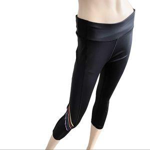 Splendid striped leg shiny black cropped legging M